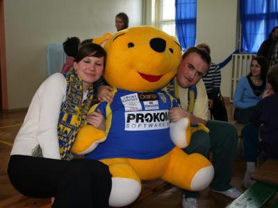 Akcja Żółto-Niebieski Mikołaj - Szkoła